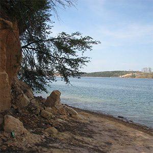 Lewis Smith Lake shoreline
